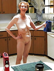 Mature bitch is baring it all on pix