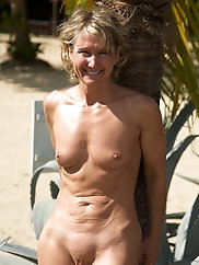 Hottest mature MILFs are posing in public