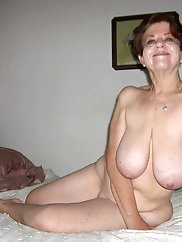 Ultra-sexy older chicks show their skills